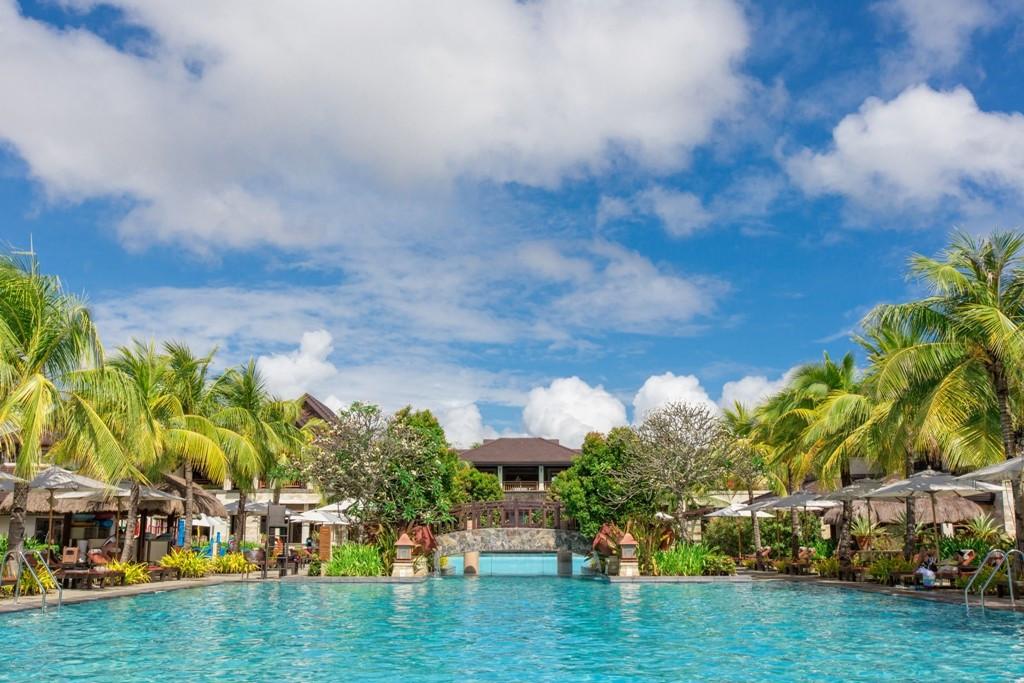 Crimson Resort Spa Mactan Is Crescent Rated Filinvest